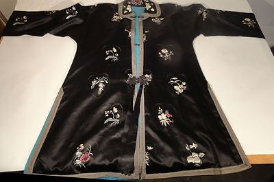 Antique Vintage Chinese Silk Embroidered Robe Jacket Silk 20th Century