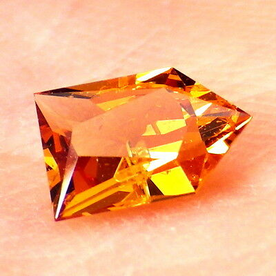 MANDARIN GARNET-E.AFRICA 0.56Ct CLARITY P1-ORANGE CINNAMON COLOR-COLLECTOR GDE