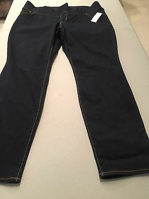 NWT maternity jeans (18)