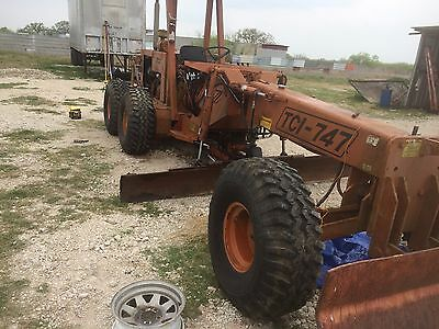 TCI 747 Articulating Compact Motor grader