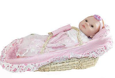 "KINNEX COLLECTIONS 20"" SOPHIA BABY DOLL & CRIB BASKET 079 Collectible Girl NEW"