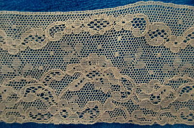 "VINTAGE CARD OF ALENCON EMBROIDERED NET LACE~14 YDS x 2 1/2"" WIDE~MADE IN FRANCE"