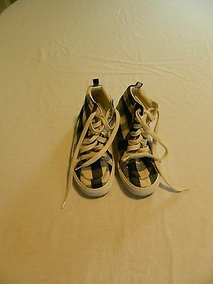Old Navy Girls High Top Shoes Size 2 (youth)