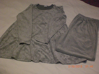 WOMENS ANNOUNCEMENTS 2PC. MATERNITY SET LT. GREEN SIZE Small