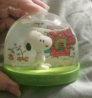 "SNOOPY HANDHELD SNOW GLOBE ""HAPPY HOLIDAYS"" RIM is Green"