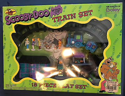 Boley Cartoon Network Scooby-Doo 18 Piece Wind up Train Set