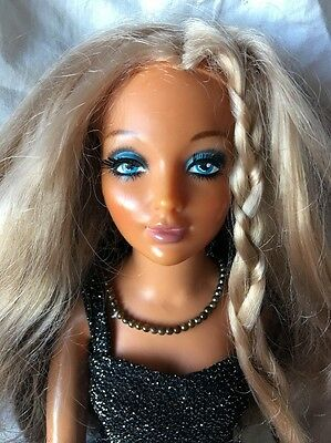 Ideal TIFFANY TAYLOR Brunette Blonde Ombré Hair Change Doll in BLACK GOWN