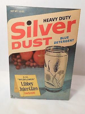 Vintage Silver Dust Laundry Detergent New Old Stock 15 ozs. Free Glass Inside