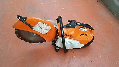 "Stihl TS420 14"" Hand Held Gas Powered Concrete Cut Off Saw."