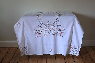 Large Vintage White Hand Embroidered Floral Tablecloth Napkins Set Lace Crochet