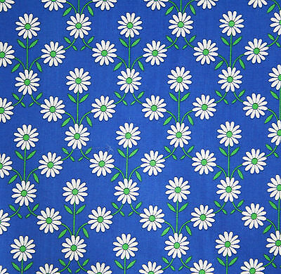 vintage 1970s Textra 'Albany' daisy chain floral print cotton interiors fabric