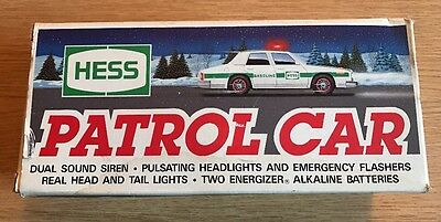 Hess Patrol Car/Dual Sound Siren/Pulsating Headlights/Emergency Flashes (1993)