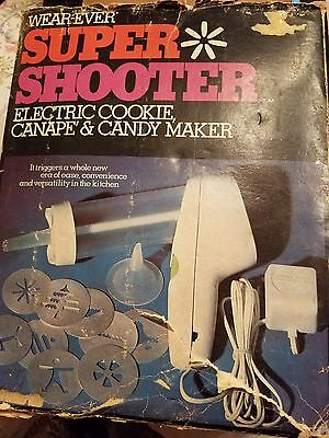Vintage Wear Ever Super Shooter 1-No. 70001 Electric Cookie Candy Maker & Box