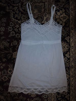 Vtg Honeylane by Sears, Roebuck & Co white lace trimmed full slip, girls' size 8