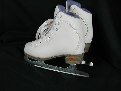 Riedell White Ice Skates Juniors Size 12 Medium Lace Up Figure Skating