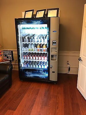 Bevmax Dixie Narco 5800 Drink Glass Front Cold Drinks Vending Machine