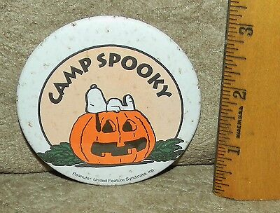 VINTAGE CAMP SNOOPY SPOOKY PINBACK PIN PEANUTS Mall of America Bloomington Mn