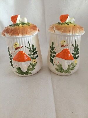 Retro/vintage Salt And Pepper Shakers