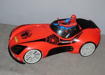 Grande Voiture avec Figurine SPIDERMAN  42 cm  SANS  Batterie Voir description