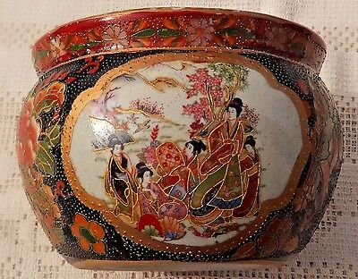 ANTIQUE EARLY 20th CENTURY SATSUMA HAND PAINTED PORCELAIN BOWL - MADE IN JAPAN