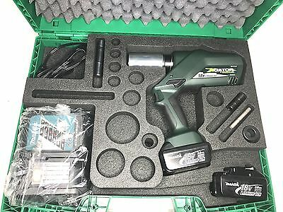 New Greenlee LS60LB11 Gator Knockout Battery Punch Driver w/ 120v Charger