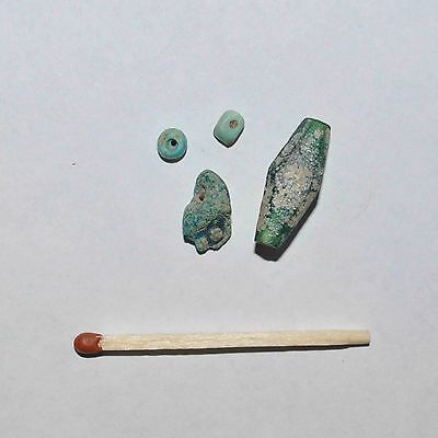 (9083) Lot Of 4 Ancient Bead From Central Asia.