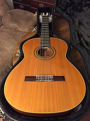 Ariana AC15 Concert Classical Guitar with case, Japan
