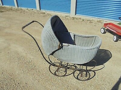 LLOYDS Antique Wicker Infant Baby Doll Buggy Stroller