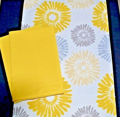Sunshower Gold Table Runner & Signature Napkin Set