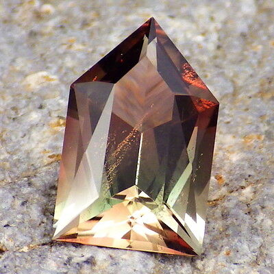 GREEN-PINK-RED MULTICOLOR SCHILLER OREGON SUNSTONE 3.10Ct FLAWLESS-FOR TOP JEWEL