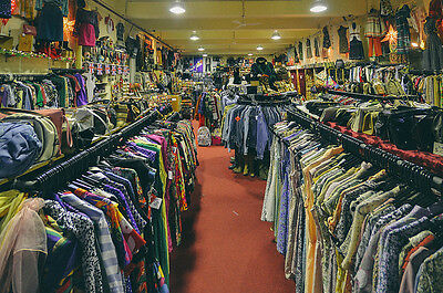 UKs No1 used clothes shop, Grade A men and ladies clothes all clean and checked