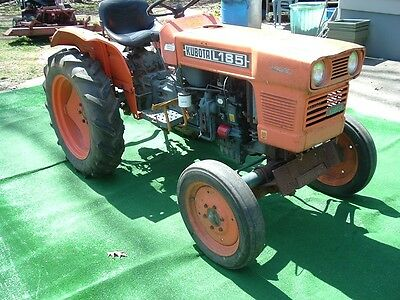 Kubota L185 Diesel Tractor with only 295 hours