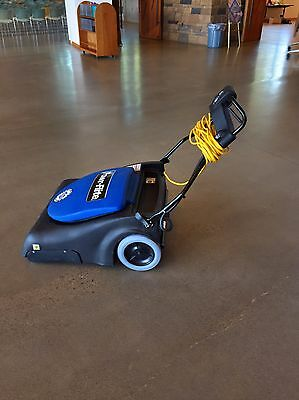 "Large 30"" commercial vacuum *NEVER USED*"