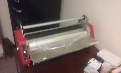 "Laminex, Inc. AV-979-VSR 25"" Heated Roll Desktop Laminator"
