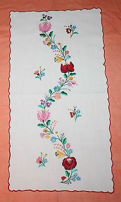 Large Vintage Embroidered Table Runner With Scalloped Edge