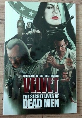 Velvet: Volume 2: The Secret Lives of Dead Men by Ed Brubaker (Paperback, 2015)