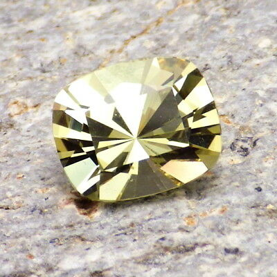 APATITE-MEXICO 3.18Ct FLAWLESS-LIVELY NATURAL YELLOW GREEN COLOR-FOR TOP JEWELRY