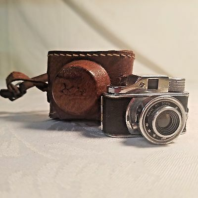 Vintage 1950's HIT Miniature Spy Camera with Leather Case