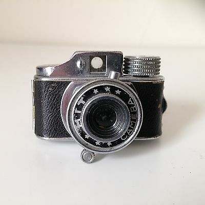 Vintage Japanese Miniature HIT Camera with film