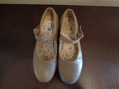 Capezio Girls Tan Leather Mary Jane Tap Shoes... size 6