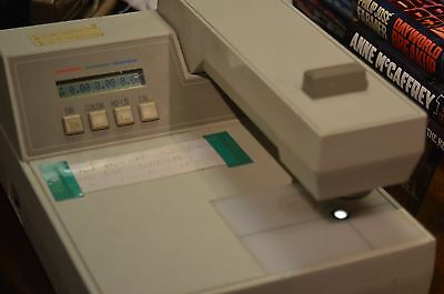 X-Rite 810/811 Densitometer Complete with Manual and Calibration Plaques!