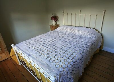 Vintage White Hand Crochet Floral Bedspread Throw Tablecloth