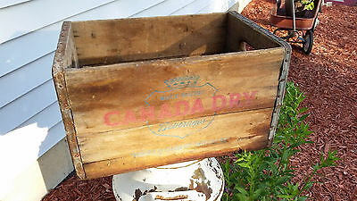 Super Cool Vintage Canada Dry Ginger Ale Wooden Crate - COOL!