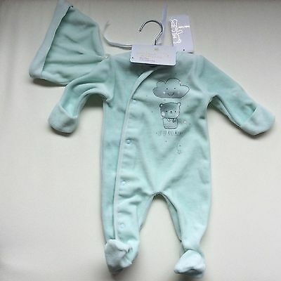 Brand new: Best'N less Size:0000 green baby grow