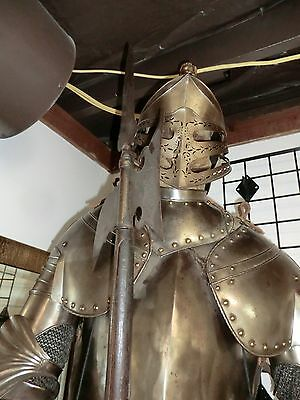 English suit of Armor