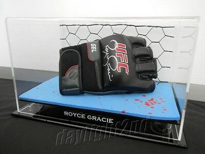 ✺Signed✺ ROYCE GRACIE UFC Fighting Glove PROOF COA MMA Boxing