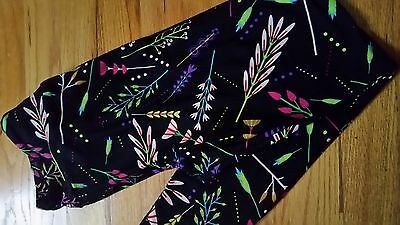 NEW LuLaRoe OS One Size Black Background Black leaves Floral Pattern Leggings