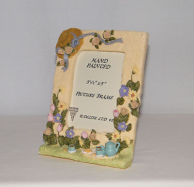New Dezine 3.5 x 5 Floral Garden . Hand Painted Table Top Photo Frame