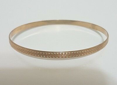 Bangle Bracelet - 5.85 Grams Solid 10Kt Yellow Gold Marked - 6.5 Inch Diameter
