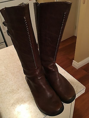 Keen  Women's Fashion Boots Brown leather size 9 ;